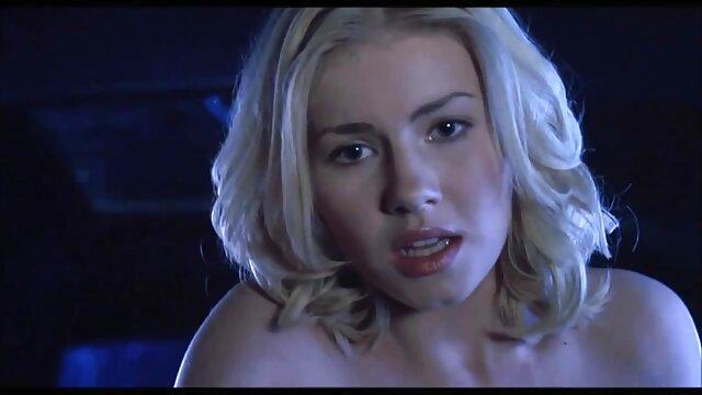 مرد شانه مامان بازیگران سکسی دنیا مودار و آن را از licks
